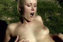 Sexual inexperienced woman Sharon Kinky getting hairless cunny eaten outdoors
