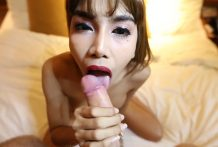 26yo huge-titted Thai smemale blows white tourists shaft and receives a facial
