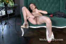Victoria climaxes like insane from tugging