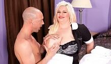 Female servant For Creampie