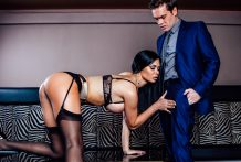 Lascivious Jasmine works her spectacular bod for Ryan's pulsing rod