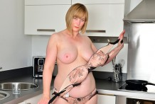 Golden-haired mummy plays with