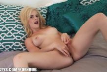 Magnificent golden-haired hotty fingers and caresses her joy button to agonorgasmos