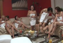 CUTE GIRLS animal play CZECH LESBIAN PARTY