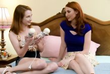 Jackie & Kendra engage in same hookup raunchy activities in daybed