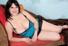Large-Boobed Panty Soaker