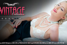 Vintage Collection Berlin – Bella Blonde Nick