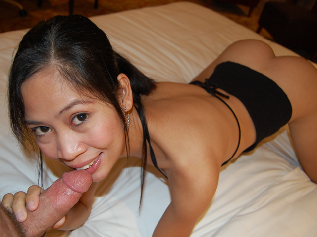 Filipina Sex Milf - Lengthy-legged Filipina stunner meets with tourist in hotel for some hawt  hookup | GRLS Video