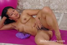 Killer Max Makita fingers her wooly labia on floor