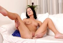 Small inexperienced in her 1st porn movie