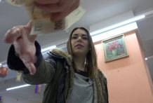 Czech Pawn Shop – Young Girl Likes to Swallow