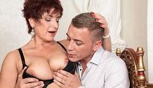 <b>Jessica Hawt receives some superb titty lovin&#8217;</b>