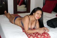 Big-tittied Filipina giggles when asked for sex from white tourist