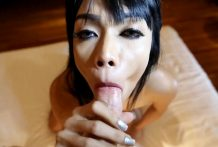 25yo huge-titted Thai ladyboy deepthroats off tourists white shaft and pouch